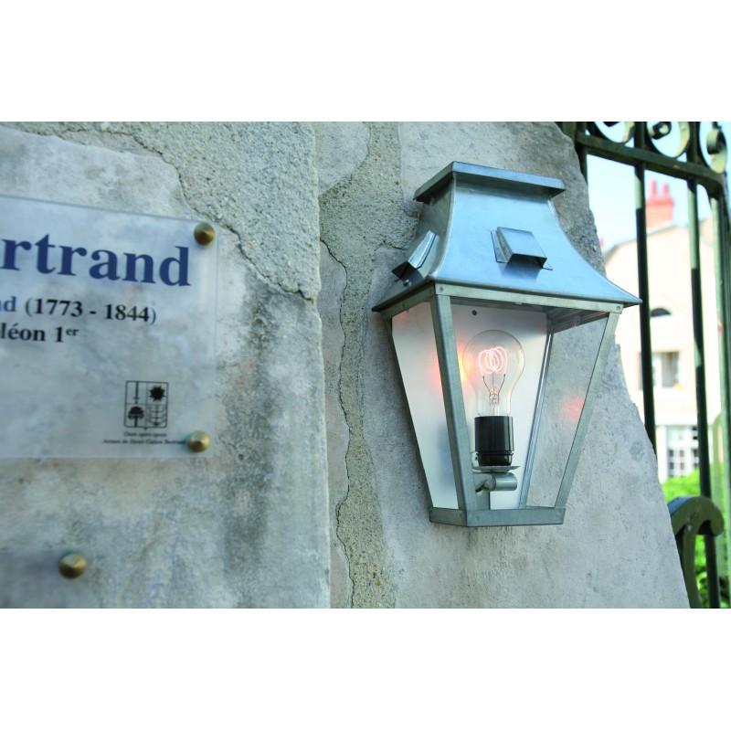 Demi applique murale vieille france zinc brut roger pradier for Luminaire exterieur zinc