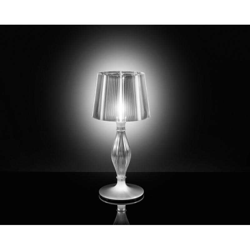Lampe poser liza slamp for Lampe halogene a poser